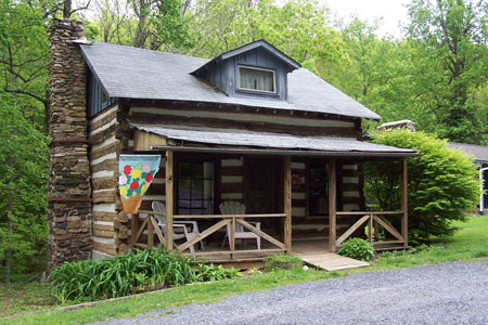 Cabin Creekwood - Lyndhurst, VA